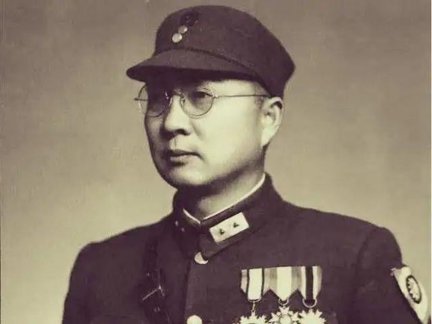 ◆第18军军长罗卓英