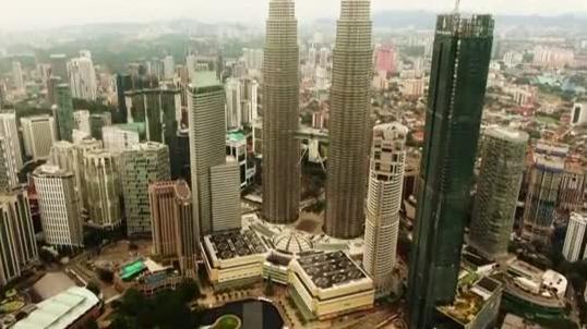 揭秘吉隆坡双子塔:拥有全球最高的空中走廊!