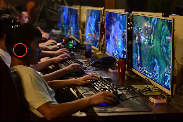 首批电竞本科生几乎没人从事电竞 多数选择游戏策划运营类工作