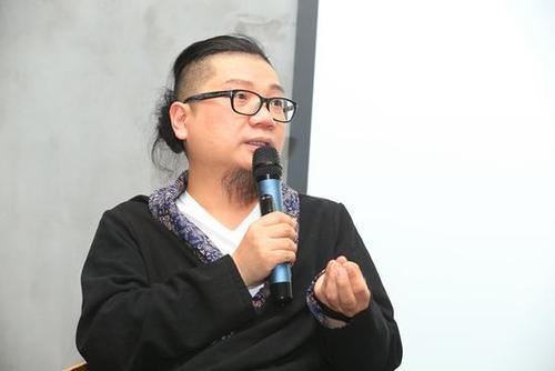 金扫帚奖创始人程青松曾被曝性骚扰?如今恋上19岁小鲜肉