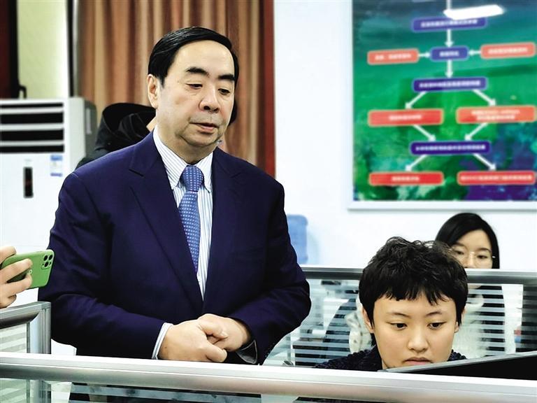 黄建平教授