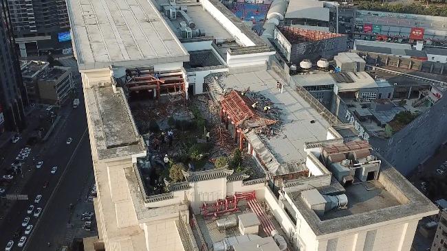 """深圳回应""""高楼违建空中皇宫"""":位于23层约300平方米,已拆除"""