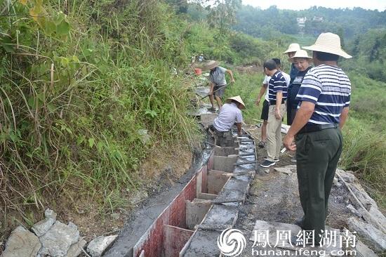 水渠建设施工