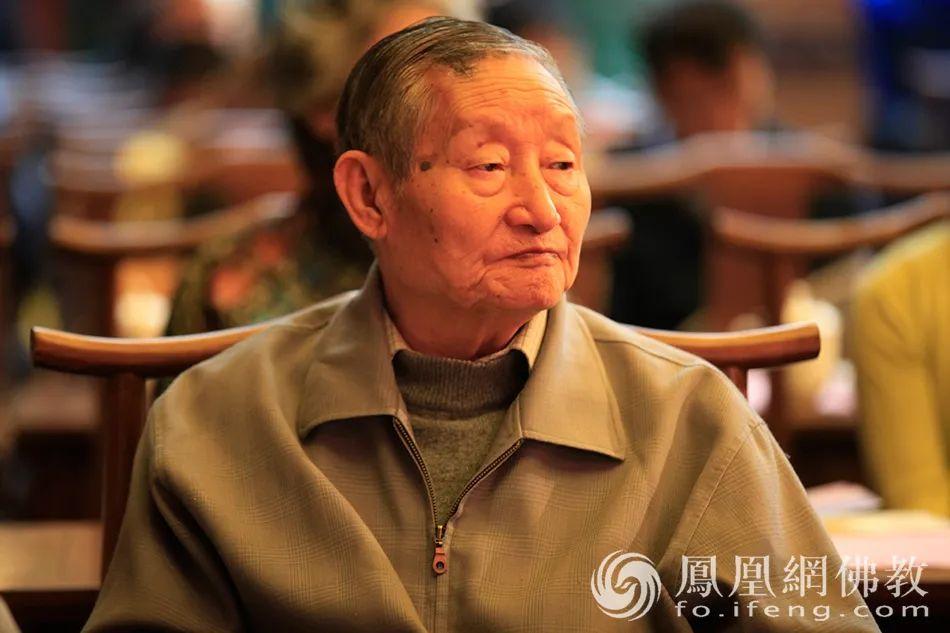 2012年10月21日,黄心川先生出席北京佛教文化研究所十周年庆典(图片来源:凤凰网佛教)
