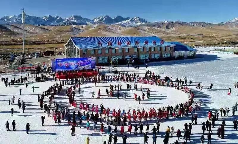 乌鞘岭国际滑雪场