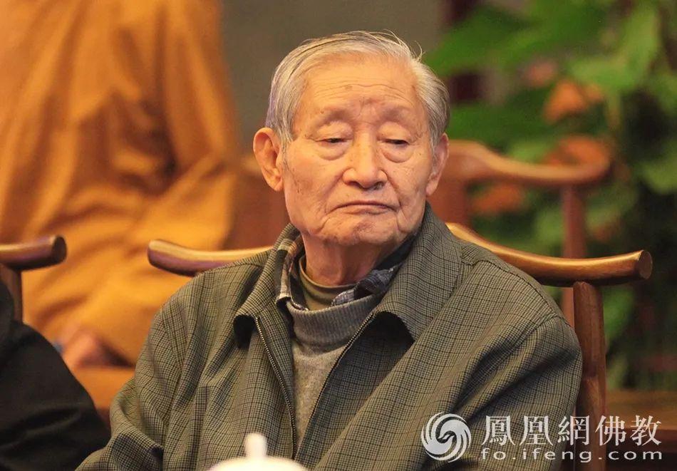 2011年10月9日,黄心川先生出席辽金佛教研讨会(图片来源:凤凰网佛教)