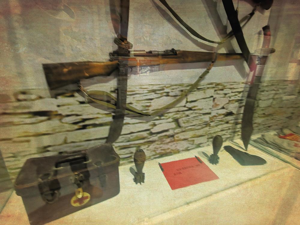 红军途径班玛县时使用过的武器装备。