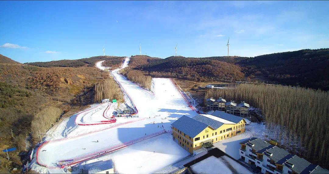 齐齐哈尔奥悦碾子山国际滑雪场