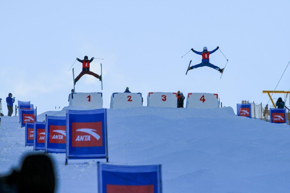 大兴安岭加格达奇映山红滑雪场