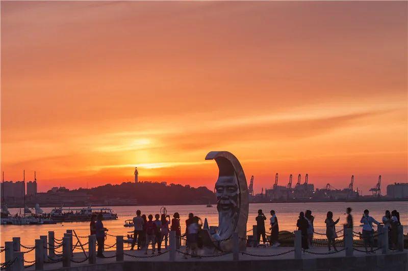 烟台月亮湾海滨风光