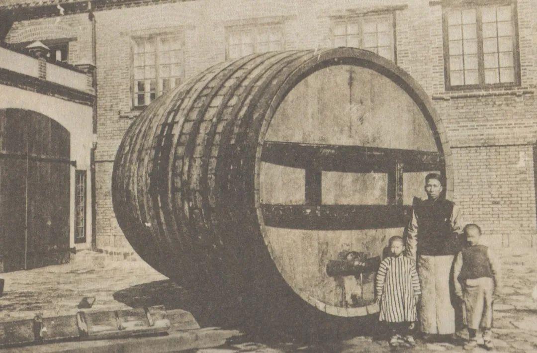 张裕拼装制成的第一个橡木桶