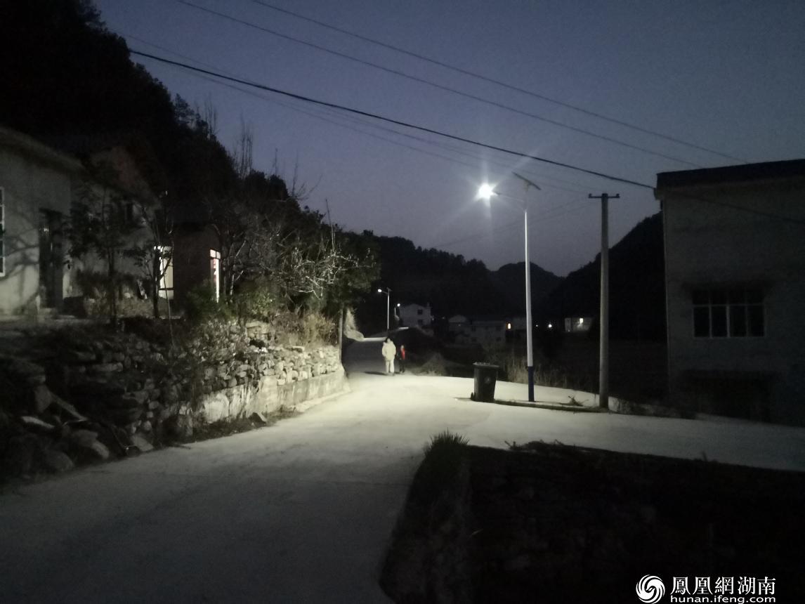 明珠村的路灯