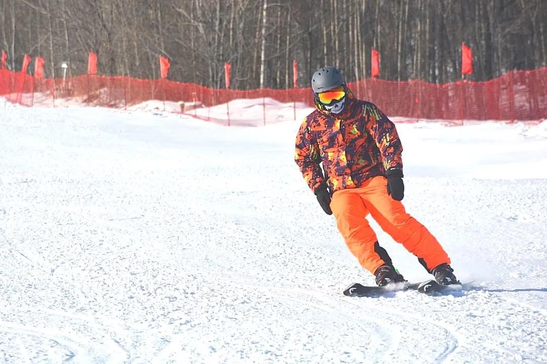 双鸭山青山滑雪场