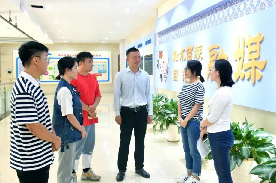 """西北工业大学方原荣获""""全国脱贫攻坚先进个人""""荣誉称号"""