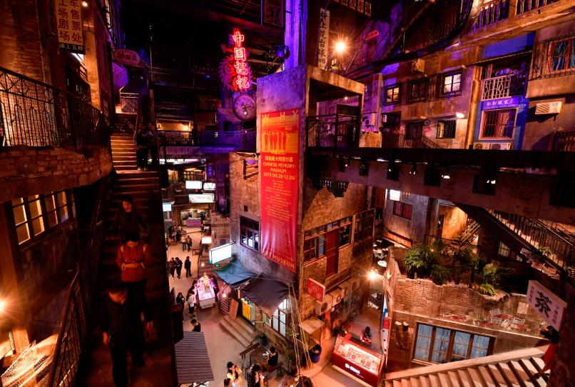 超级文和友店内不仅有美味,还有长沙历史老街社区情景再现(邹麟/摄)