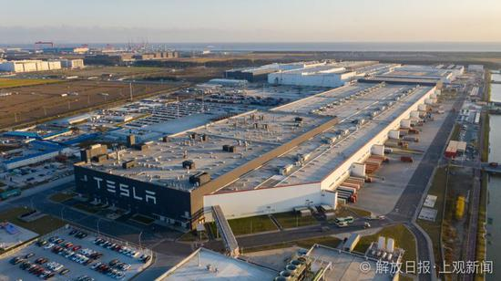 ?走进上海特斯拉超级工厂:总裁坐在生产线旁,每颗螺丝都可追溯 特斯拉超级工厂