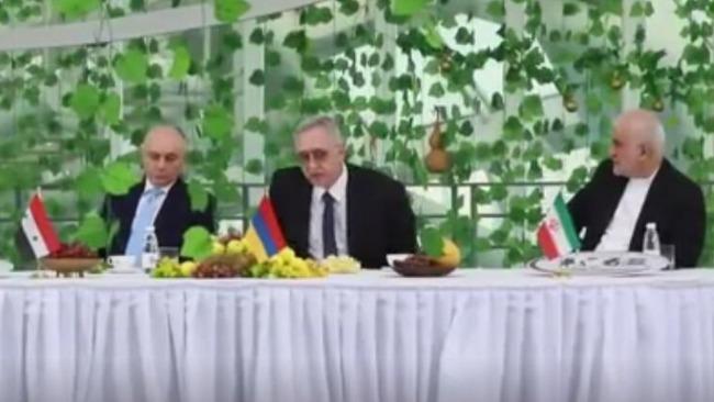 """凤凰独家:多国大使驳斥所谓的新疆""""种族灭绝""""谎言"""