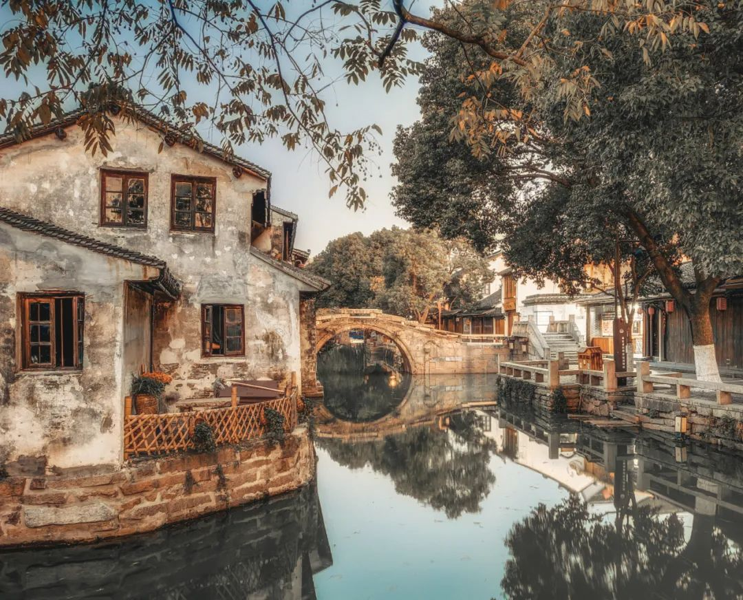 △中国保留了许多原始古意的古镇 / 图虫创意