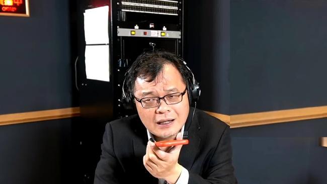 大陆网友送台湾同胞这句话 台主播一听愣了