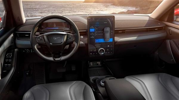 特斯拉美系对手!国产福特纯电野马下线 续航最高680km
