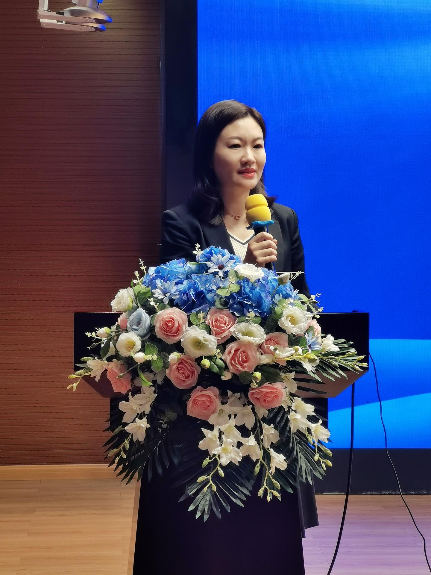 3月25日上午,成果推广培训会开幕式由教育部基础教育司教学与装备信息化处副处长赵宇主持。