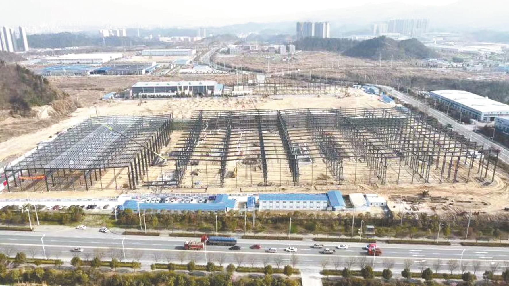 东风智能装备产业园模具中心建设现场。