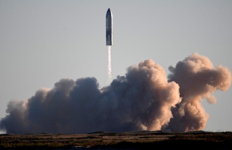 SpaceX发射星际飞船SN8原型