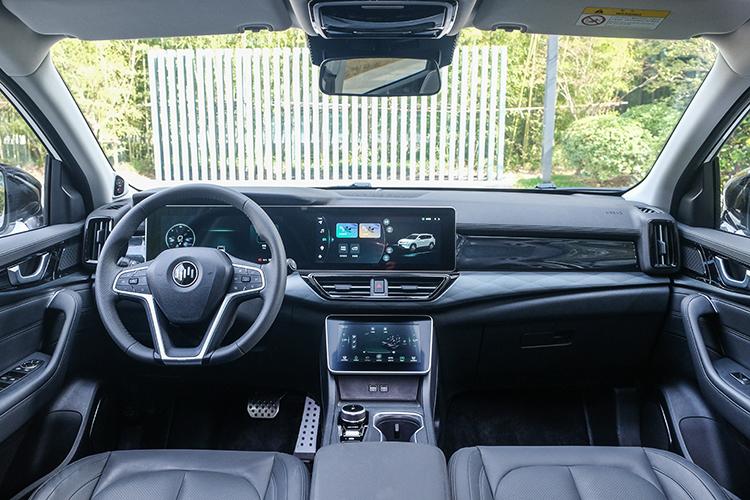 首批威马W6陆续到店 新车将于4月正式上市