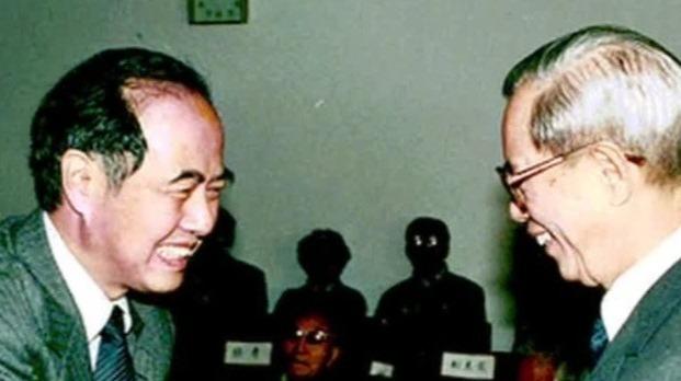 李政道建议选派研究生赴美学习,得到邓小平的肯定