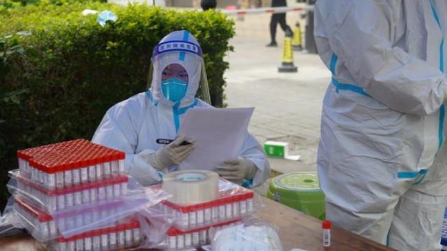 张文宏:近期瑞丽疫情透露的几个关键信息