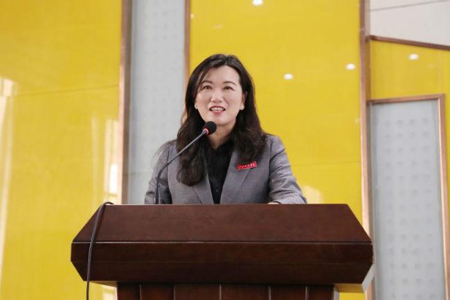 图3:张海涛校长主持讲座