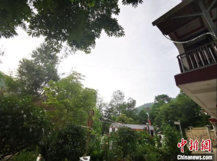 2020年07月9日拍摄于陇南康县境内美丽乡村--凤凰谷。 殷春永 摄