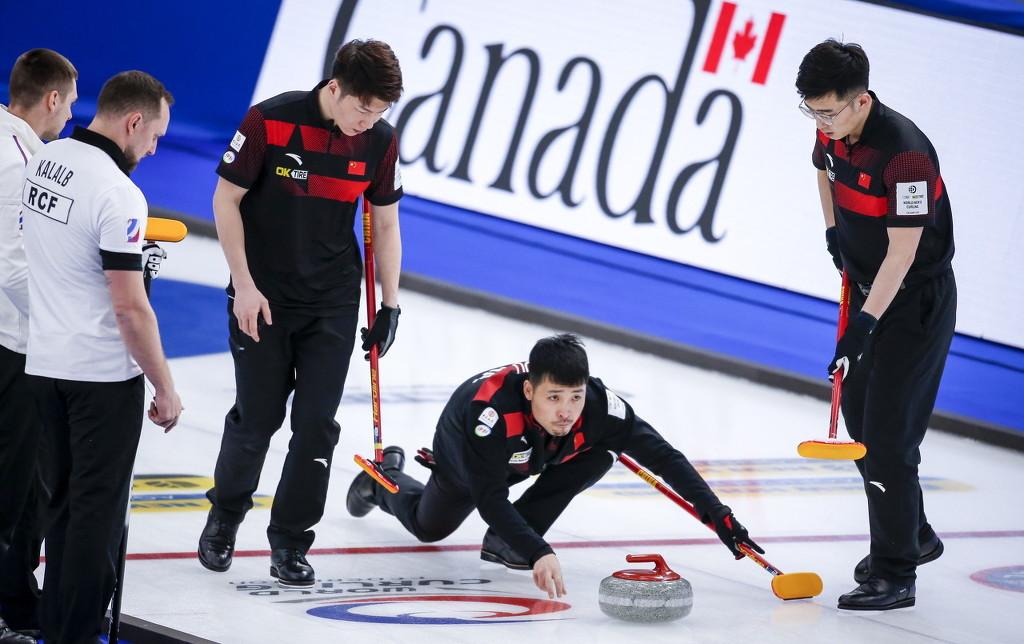男子冰壶世锦赛开赛 中国队无缘首胜