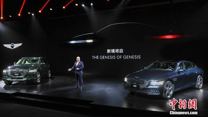 """捷尼赛思品牌全球负责人张在勳(Jaehoon Chang)表示:""""捷尼赛思的无畏之旅在中国正式扬帆起航,中国市场对于捷尼赛思全球的发展战略有着至关重要的作用。我们非常激动能为中国消费者诠释新一代豪华理念,因为中国正是引领时代的先锋者""""。"""