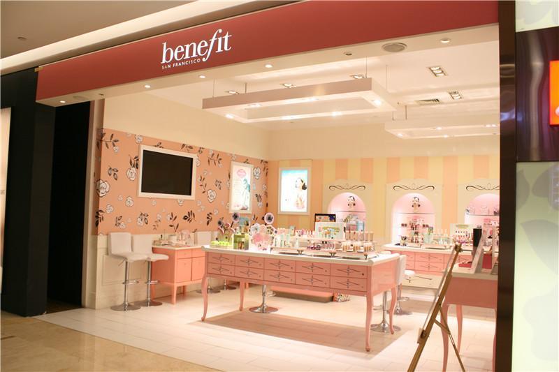 彩妆品牌Benefit贝玲妃陆续撤柜 线下专柜仅剩7家!