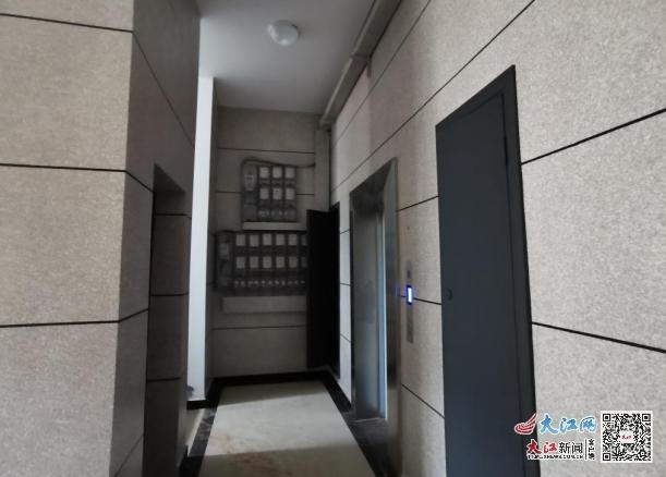 住房内部电梯等基本完善(刘勇摄)