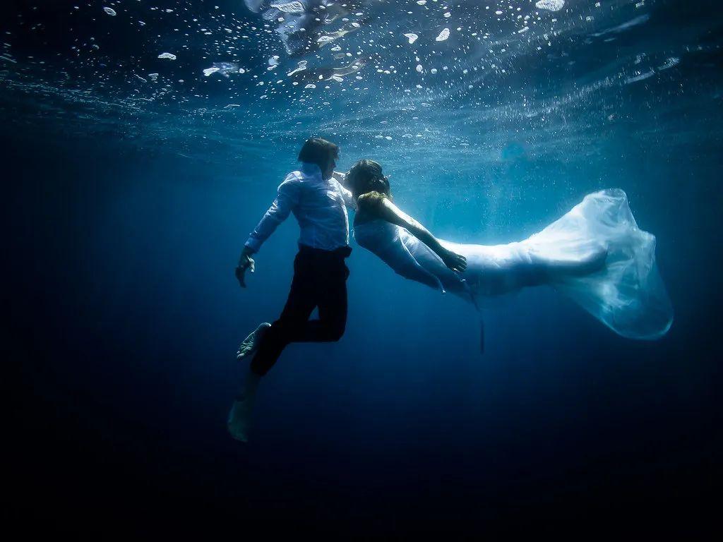 △水下婚礼也逐渐成为潮流。/flickr