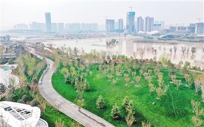 灞河(欧亚大道至北三环段)绿道建设项目水清、景美、岸绿的生态空间即将完成。
