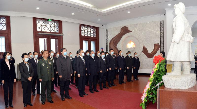 省人大常委会副主任,省政府副省长,省政协副主席参加活动。