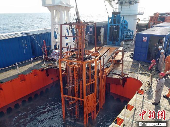 """""""海牛Ⅱ号""""正在进行海试作业。 湖南科技大学 供图 摄"""