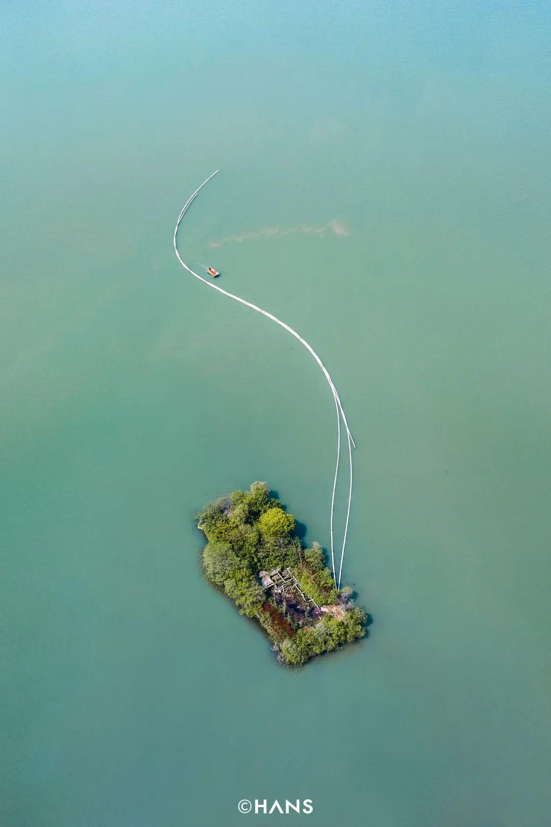 雁中咀附近的小岛