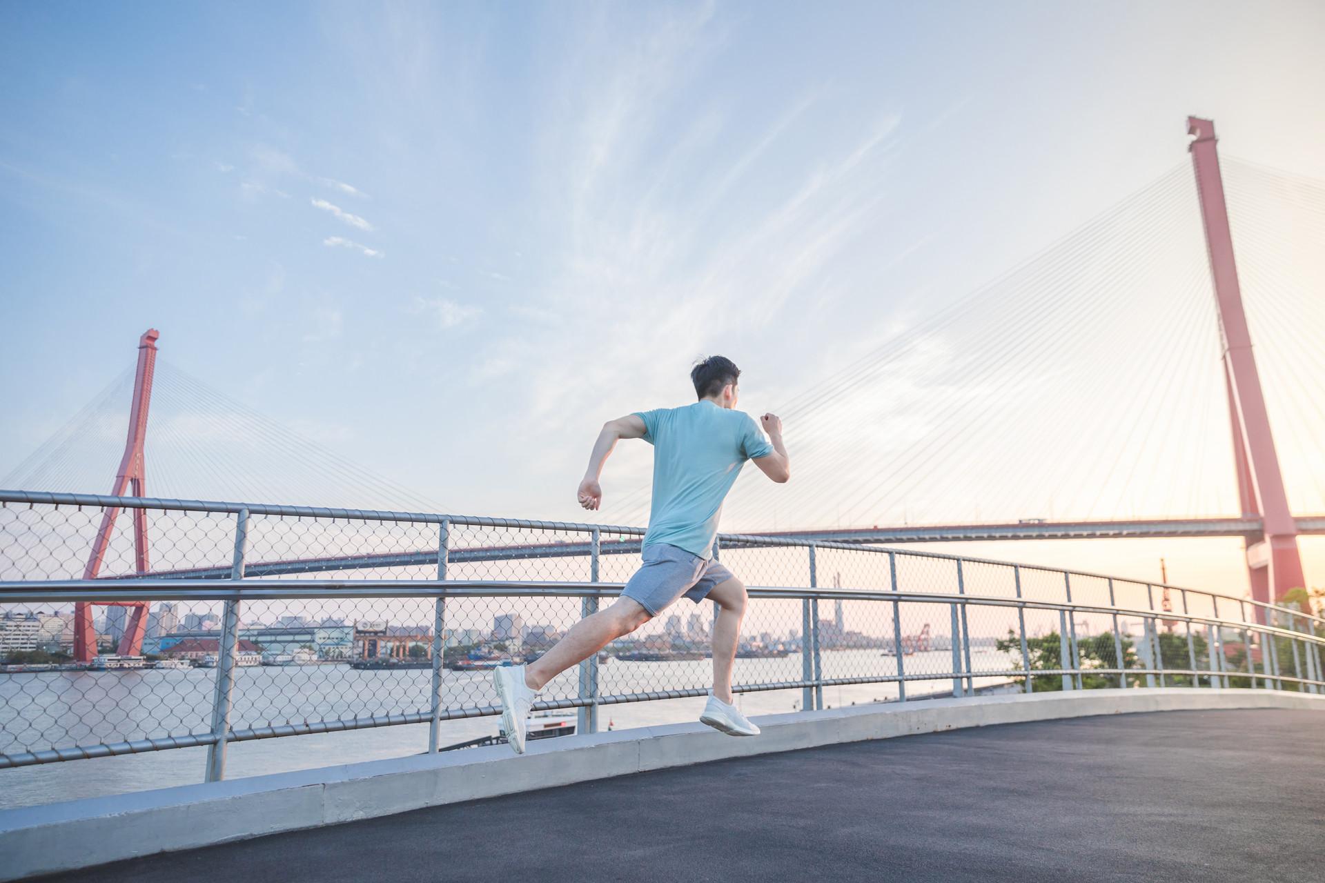 科学家指出运动前半小时喝浓咖啡能加速脂肪燃烧
