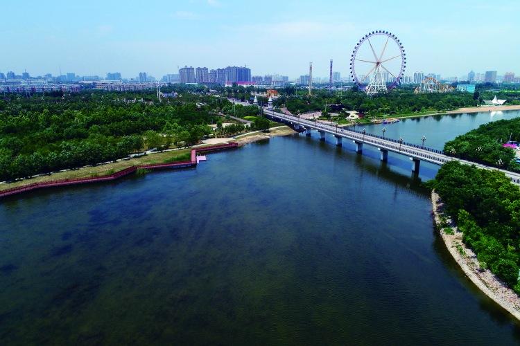 生态补水后的七里河。
