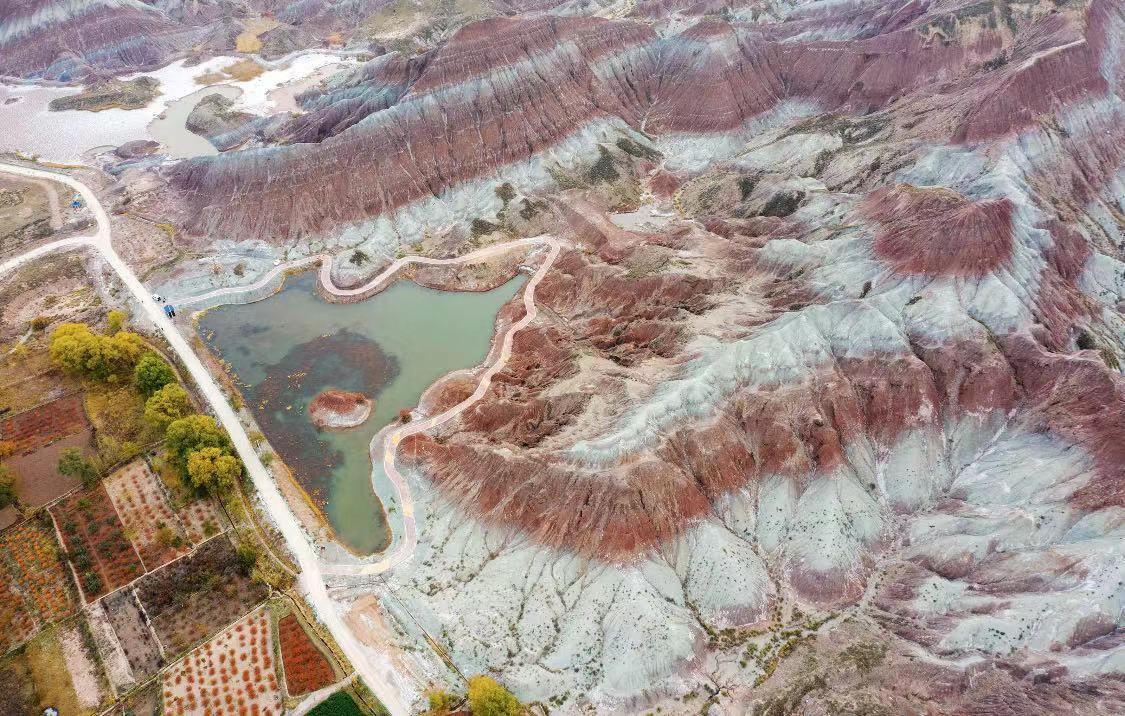 位于甘肃省兰州市永登县的丹霞地貌