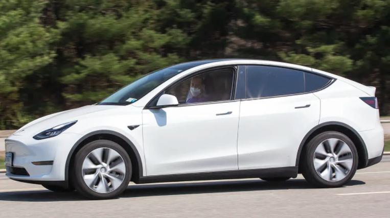 《消费者报告》:特斯拉驾驶辅助系统不如通用和福特