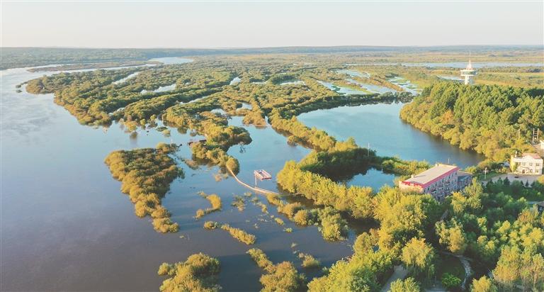 挠力河国家级湿地自然保护区。
