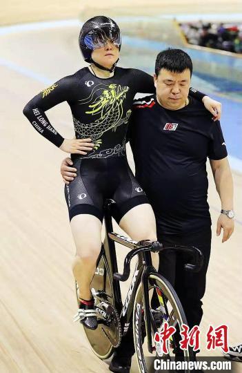 2021年中国场地自行车联赛首站黑龙江选手林俊红夺金
