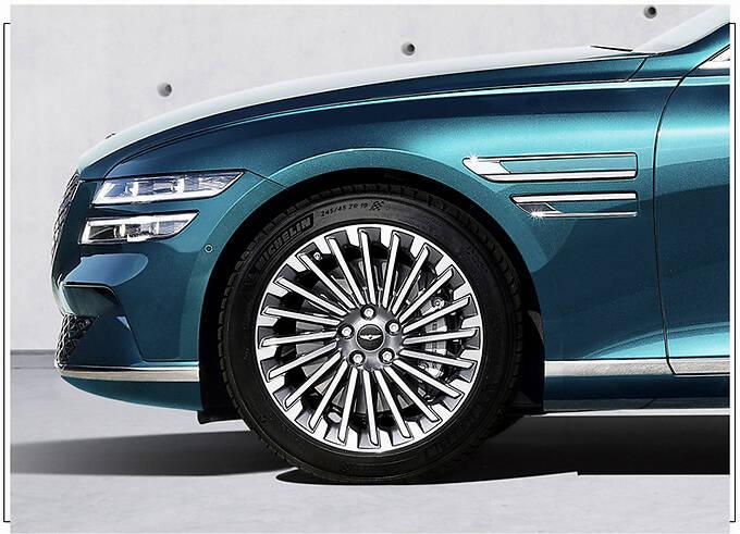 捷尼赛思G80新车型发布 封闭格栅/车顶配太阳能板-图5