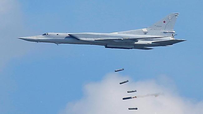 俄军空袭叙利亚境内极端组织基地 歼敌约200人