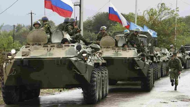 欧盟警告10万俄军部署俄乌边境,一点火星就能点燃局势